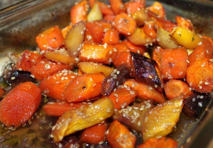 Geröstete Karotten mit Sesam