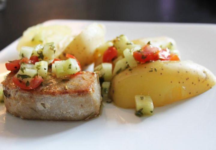 Thunfischsteaks mit Kartoffeln