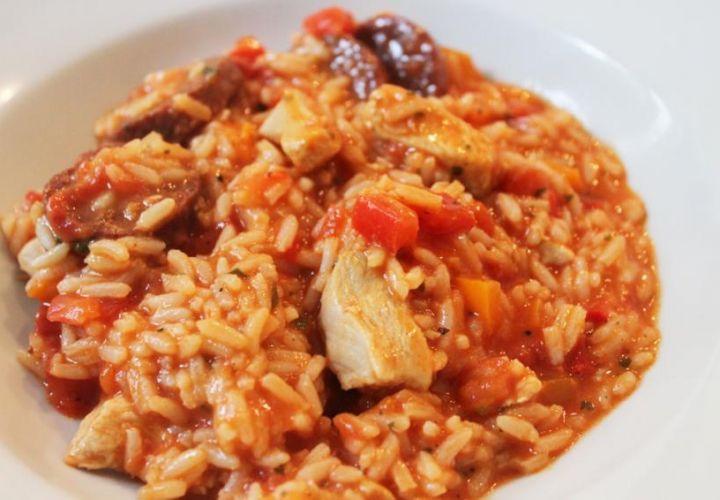 Jambalaya mit Huhn und Chorizo