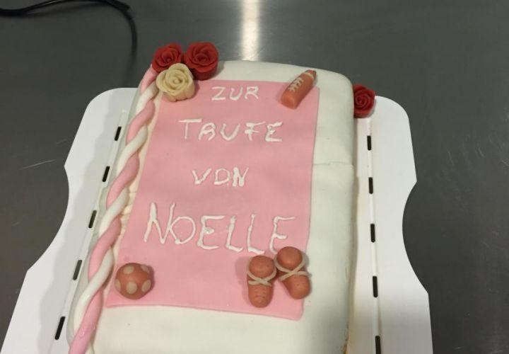 Noelles Tauftorte