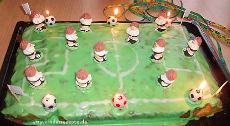 rezept fussball kuchen. Black Bedroom Furniture Sets. Home Design Ideas
